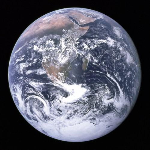 """""""The Blue Marble"""" : la Terre vue par l'équipage d'Apollo 17 (crédit NASA)"""
