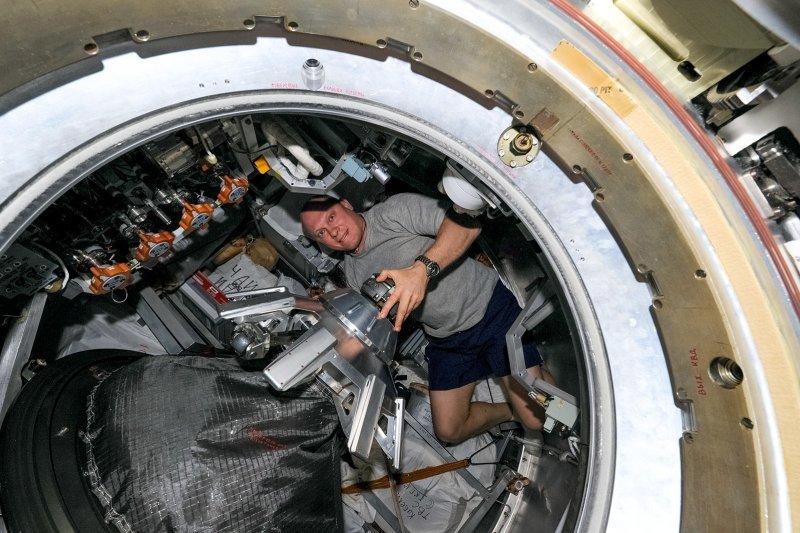 Oleg Artemyev dans le cargo Progress (source blog d'Oleg Artemyev)