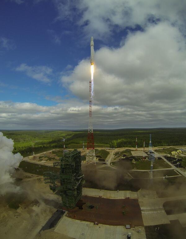 Vol inaugural d'Angara le 8 juillet 2014 (source : ministère de la défense russe)
