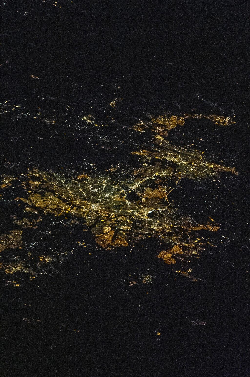 Johannesburg-Pretoria, South Africa, at night, from #ISS, April 26