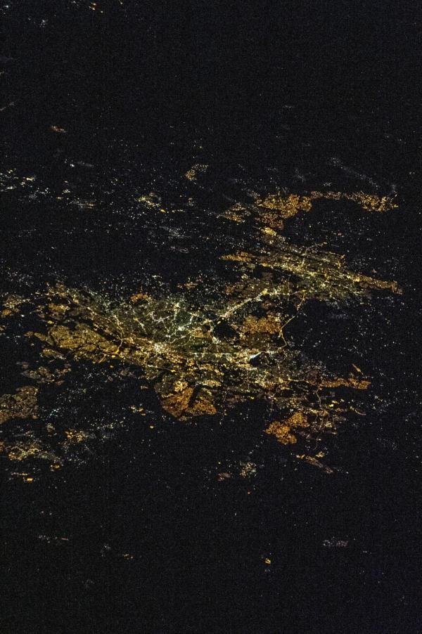 Johannesburg/Pretoria, South Africa, la nuit depuis l'ISS, 26 avril 2014 (crédit NASA)