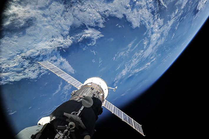Le Progress M24-M arrimé, vu depuis l'ISS (photo d'Oleg Artemyev)