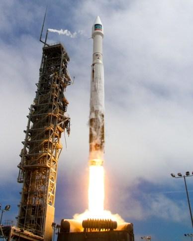 13/08/14 lancement d'une Atlas V depuis Vandenberg. Mise sur orbite de WorldView-3. (Photo: United Launch Alliance)