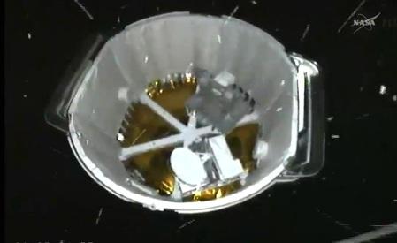 Vue arrière du cargo Spx4 après séparation lanceur (source NASA TV)