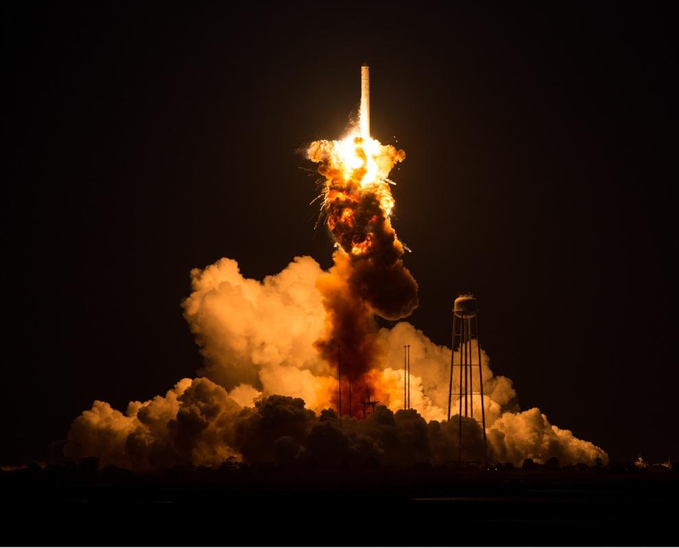 Photo de l'explosion d'Antares le 28/10/14 (source NASA)