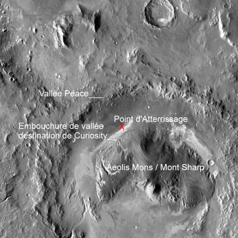 Vue de l'ensemble du Mont Sharp qui occupe le centre du cratère Gale (doc. NASA/JPL-Caltech)