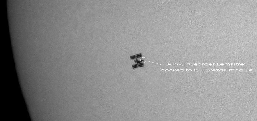 L'ISS devant le soleil - septembre 2014 (©Thierry Legault)