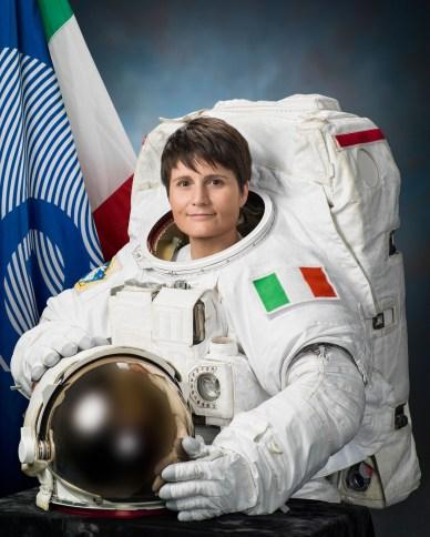 Portrait de Samantha Cristoforetti en scaphandre de sortie spatiale. (Source: NASA)