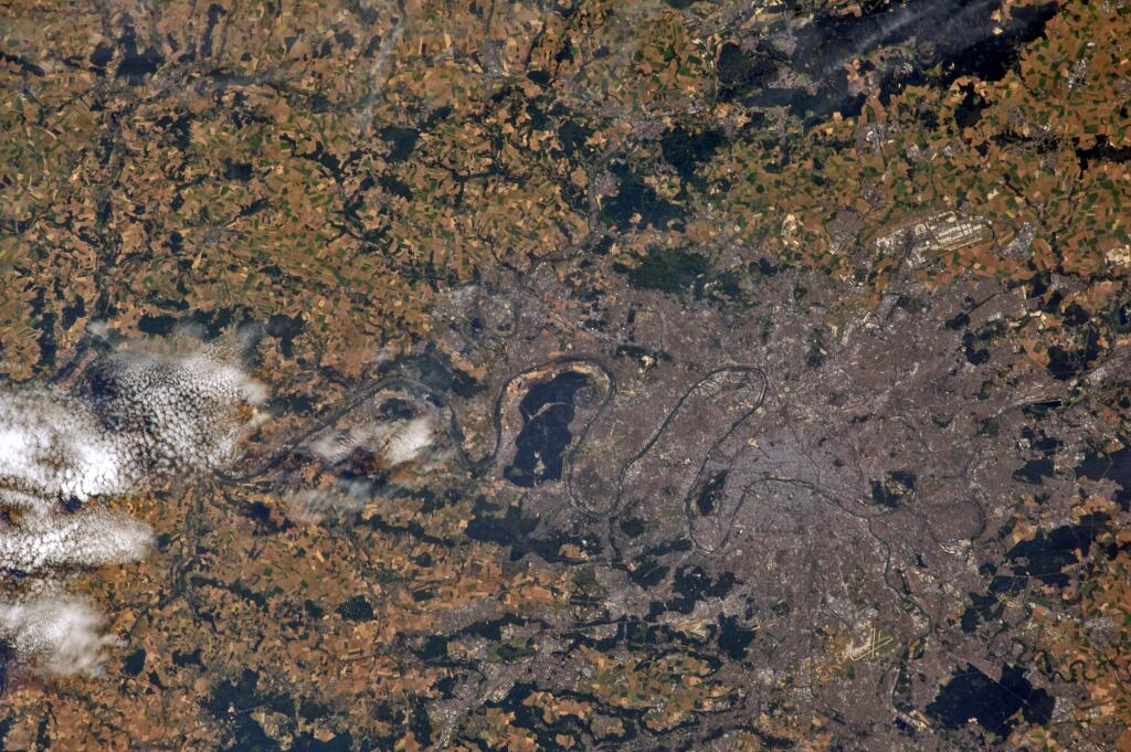 paris-france-from-iss-july-19-180-mm