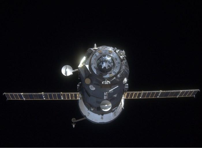 Le départ du Progress M25-M (Photo: Anton Shkaplerov depuis l'ISS)
