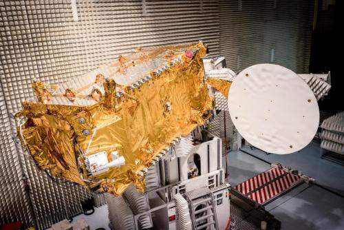 Le satellite de télécommunications TURKMENALEM52E/MONACOSAT chez Thales Alenia Space (source TAS)