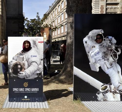 Inauguration de l'exposition Space girl, space women à Paris le 29/06/15 (credit Mélissandre_L)