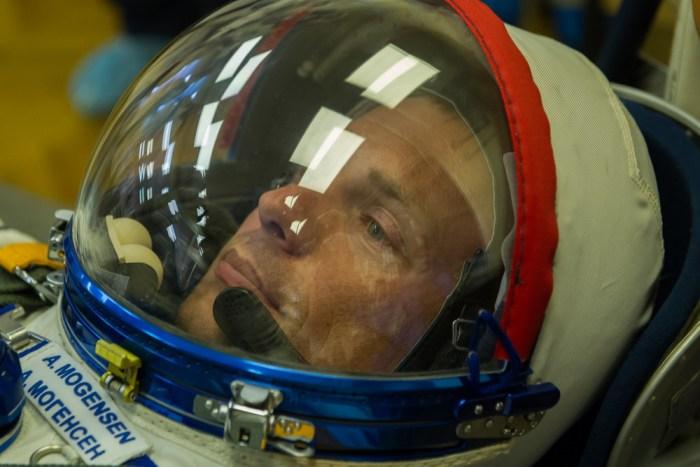 Andreas Mogensen en entrainement en combinaison de lancement (Credit ESA)