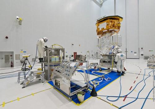 Remplissage de Lisa Pathfinder le 04-11-2015 (credits ESA / Arianespace / CNES / CSG)
