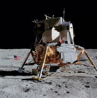 Apollo 14 : le module lunaire, ou LEM, Antares, sur la Lune. (credit NASA)