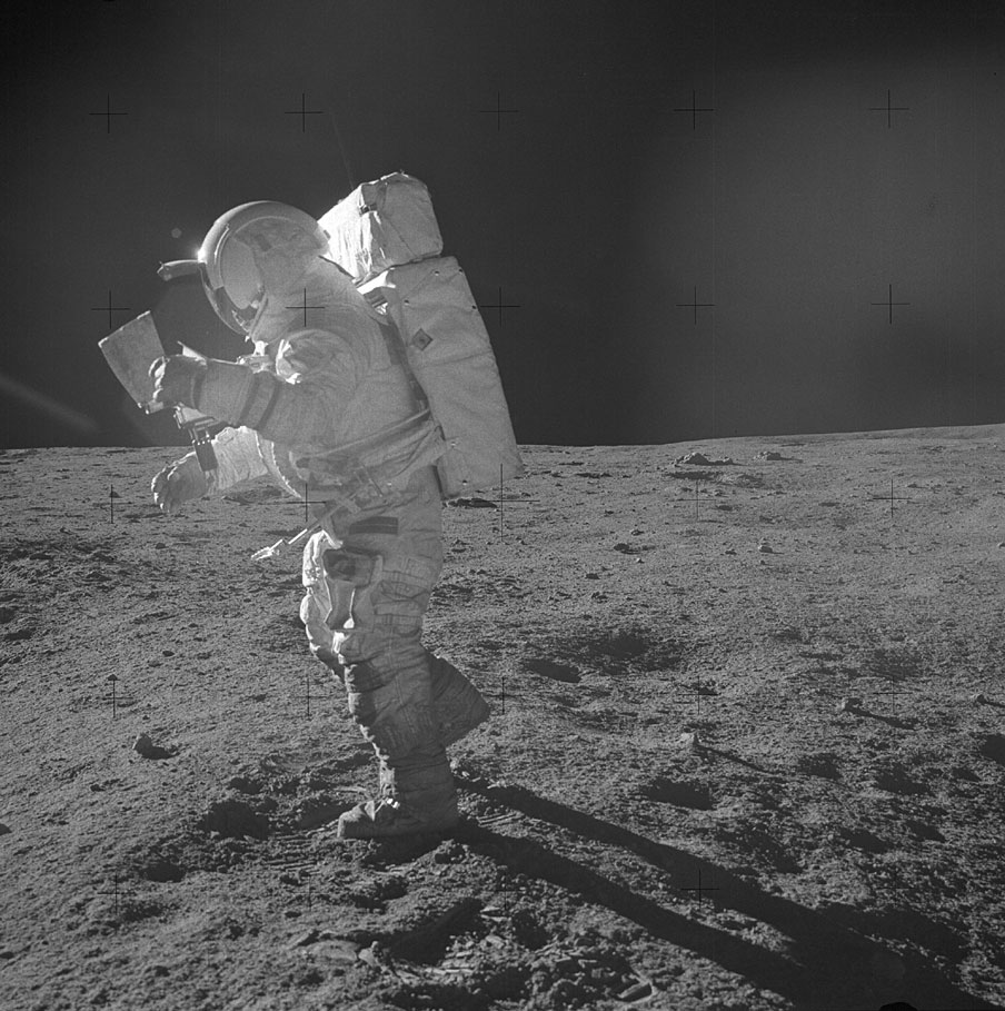 Apollo-14-ed-mitchell-lune