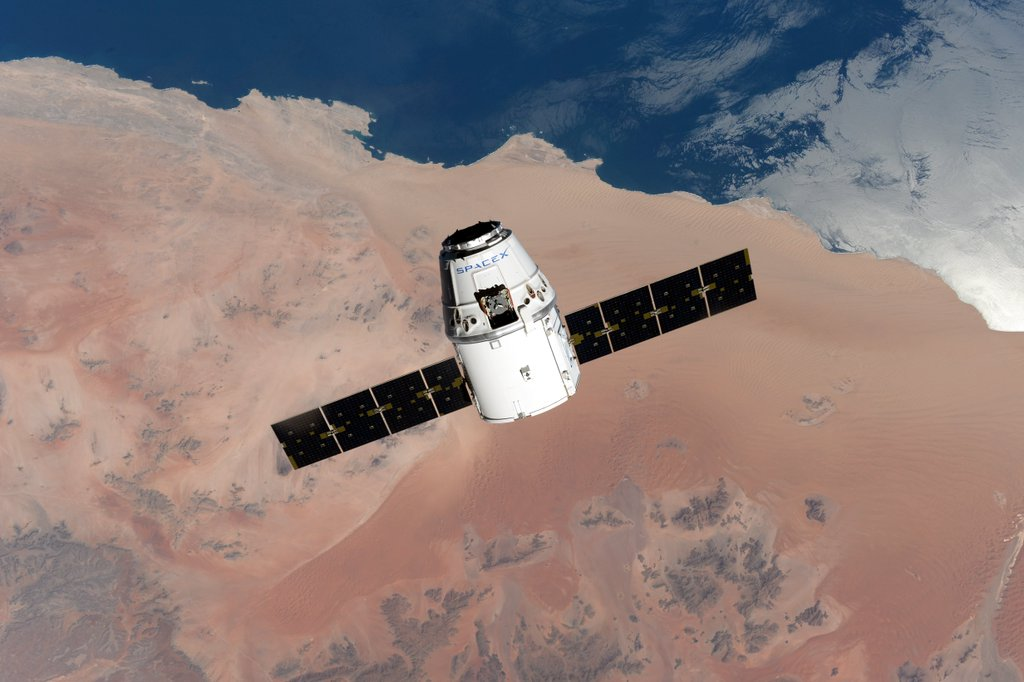 dragon_crs_8_approche_ISS