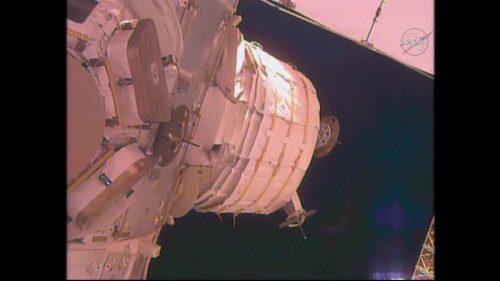 Le déploiement stoppé de BEAM le jeudi 26 mai (credit NASA TV)