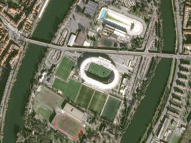 Euro2016_Stadium_Toulouse_Pleiades_20160205
