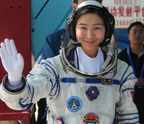 Liu Yang, la première chinoise dans l'espace (Crédit : CNSA)