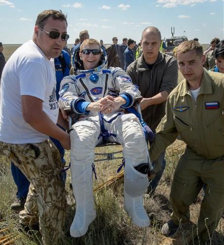 L'astronaute européen Tim Peake de retour sur Terre le 18/06/2016 (credit Bill Ingalls/NASA)