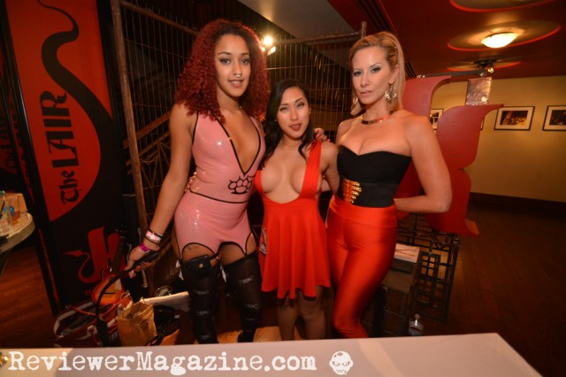 My $5 photo of the Kink.com girls at AEE 2015.