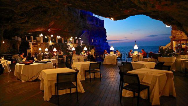 bữa tiệc lãng mạn bên trong hang trống, hang trinh nữ