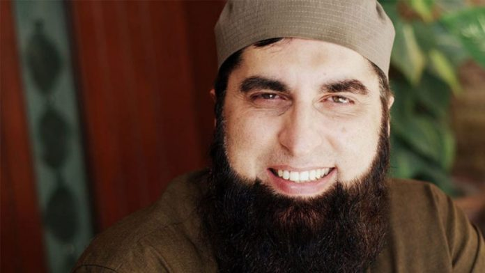 Ayeza Khan Remembers Junaid Jamshed 13