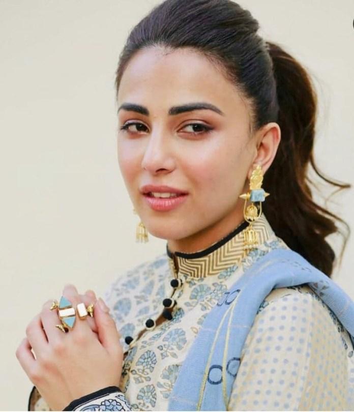 Ushna Shah 5