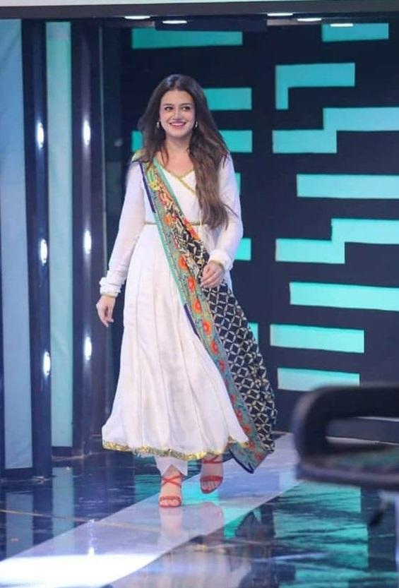 Zara Noor Abbas 1