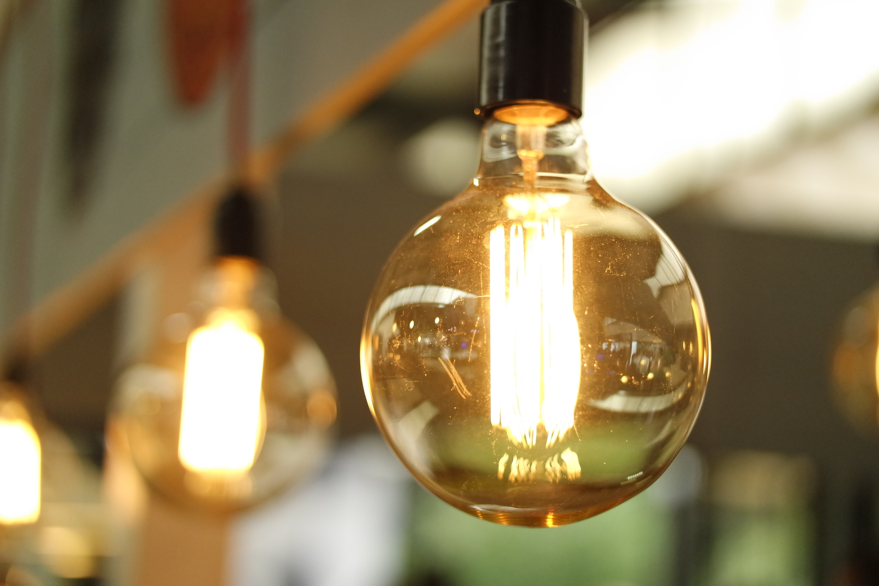 light-bulbs-power-efficiency