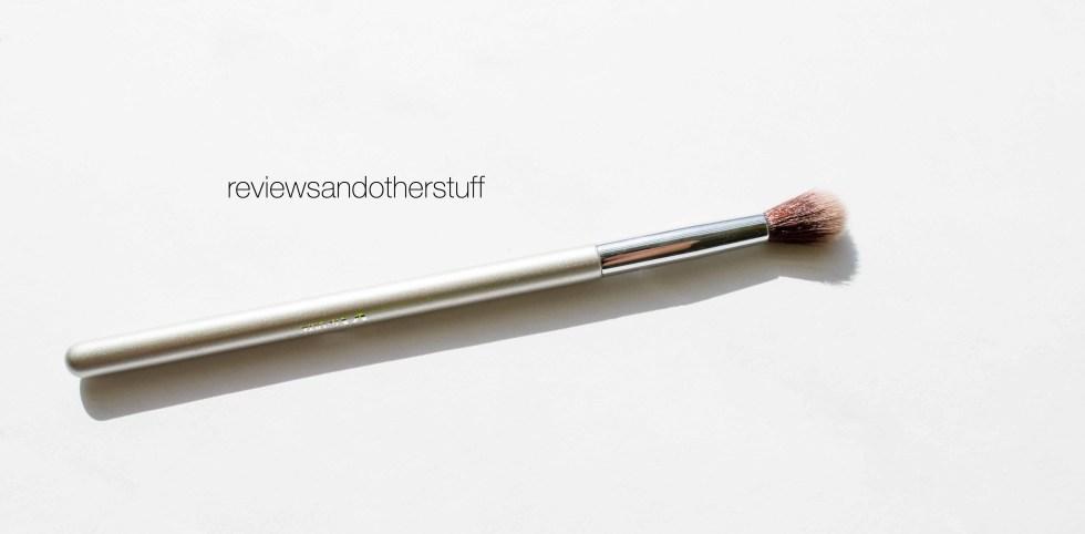 ulta it brush airbrush blending crease brush 105