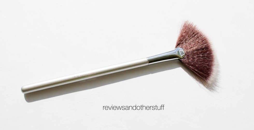 ulta airbrush radiance fan brush 116