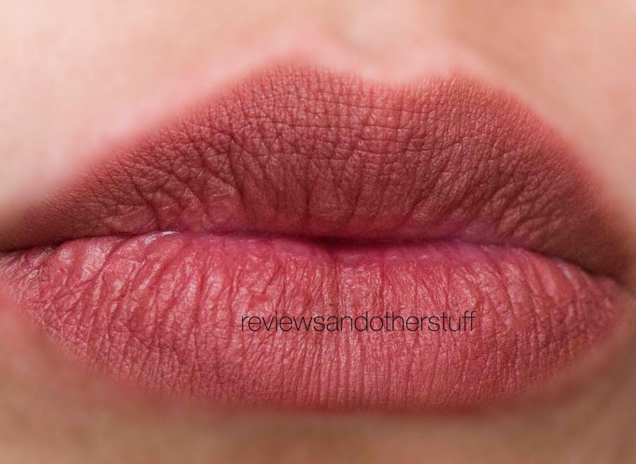 kat von d studded kiss in cathedral swatch