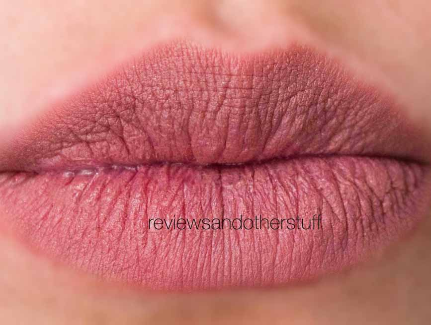 kat von d studded kiss lovecraft swatch