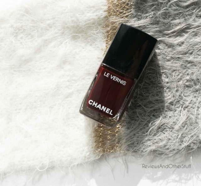 chanel le vernis longwear nail colour rouge noir