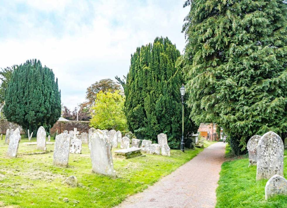st. peter's church cemetery bishop's waltham