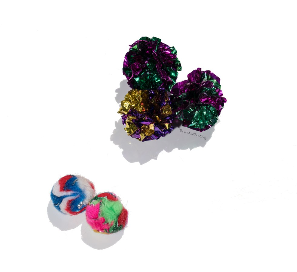 crinkle ball cat toy