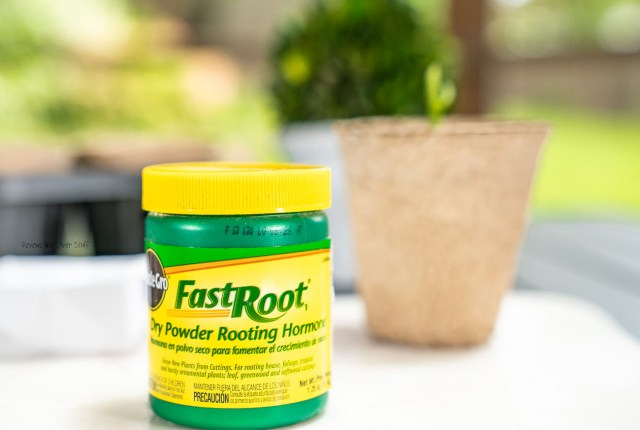 Miracle-Gro FastRoot Dry Powder Rooting Hormone review