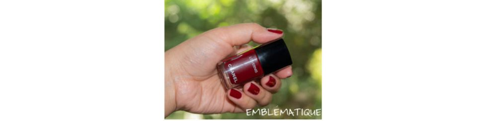 chanel emblematique nail color