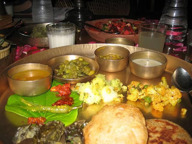Gordhan Thal Review – Price, Menu, Facts & Contact Number – Best Gujarati Thali
