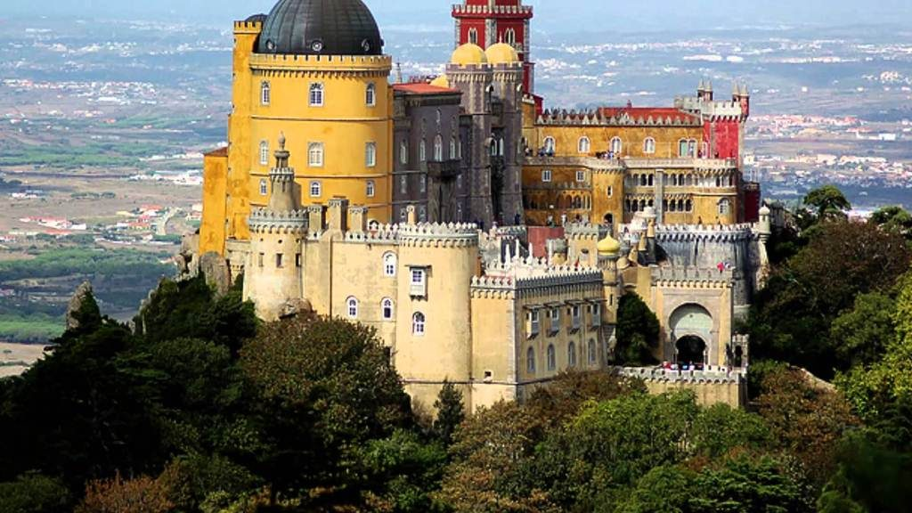 Top Tourist Attractions In Portugal Worth Your Time & Stay
