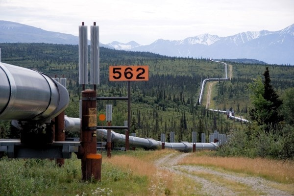 An oil pipeline. Image credit MediaWiki