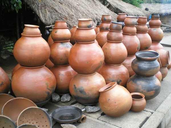Pottery was practised extensively at Great Zimbabwe. Image credit ghananation.com