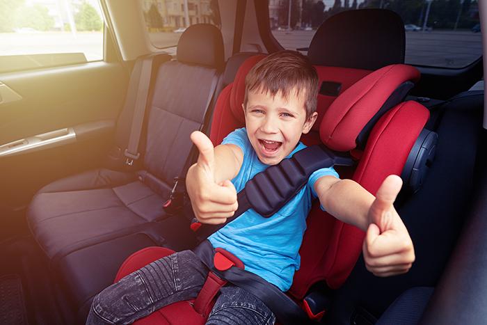 Prohibir fumar en los coches cuando hay niños