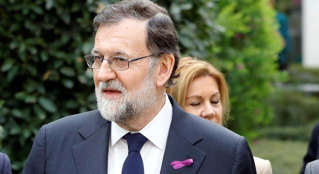 Rajoy_lacito_morado