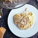 Spaghetti aglio e olio con chile ancho