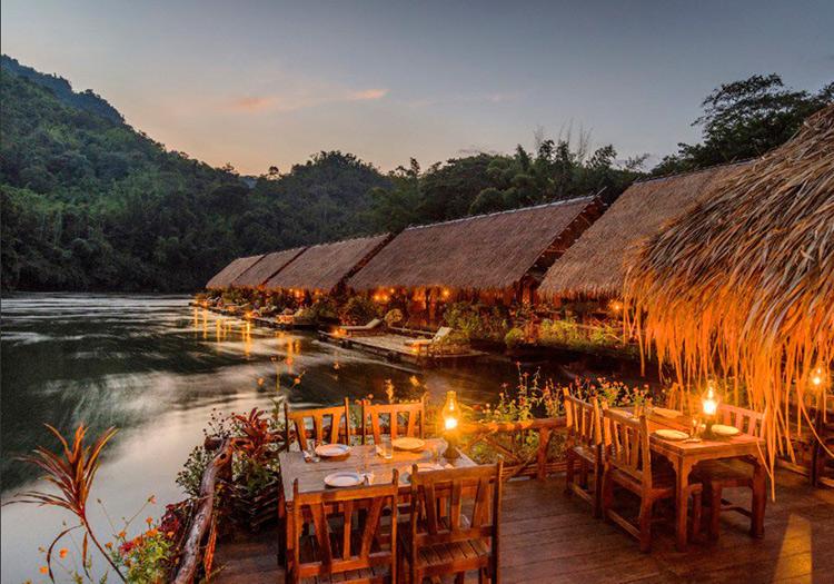 Hoteles flotantes: river kwai jungle rafts en tailandia