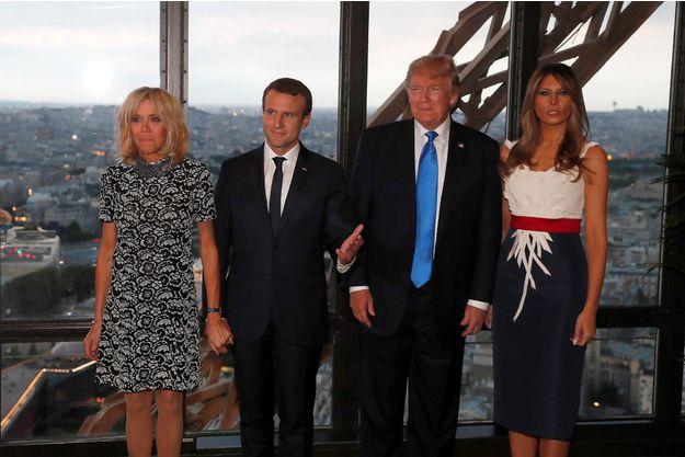 Le couturier de Melania Trump Sa robe de diner est un clin d oeil au drapeau francais1 7b38c
