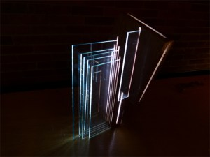 Lámpara del 3º Salón Académico de Diseño, realizada por estudiantes del programa de Diseño Industrial, Universidad El Bosque, 2011.